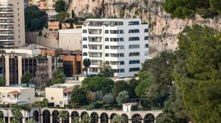 Fontvieille renovated 3 bedroom flat for rent